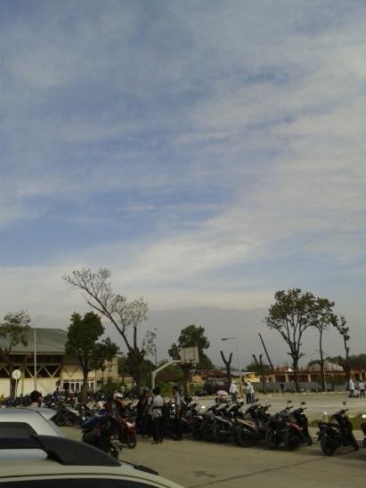 seminggu yang lalu, setelah hujan badai..langitnya udah bersih lagi